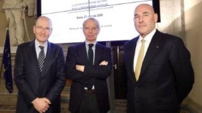 Nando Pagnoncelli (Ipsos), Ricardo Franco Levi (Aie) e Andrea Riffeser Monti (Fieg)