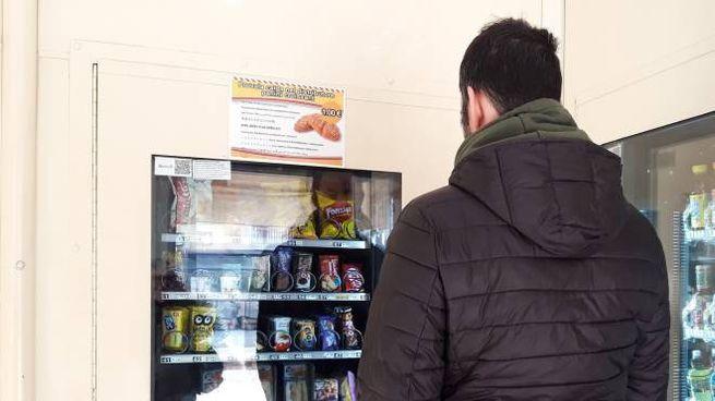 Il distributore alla stazione di Sondrio
