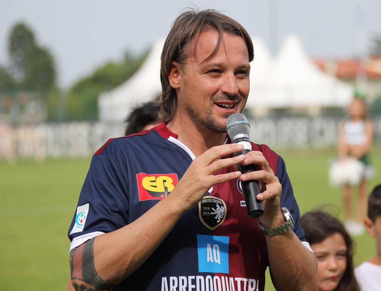 Lorenzo Spagnoli, 39 anni, è il presidente dell'Imolese che domani affronta il Modena