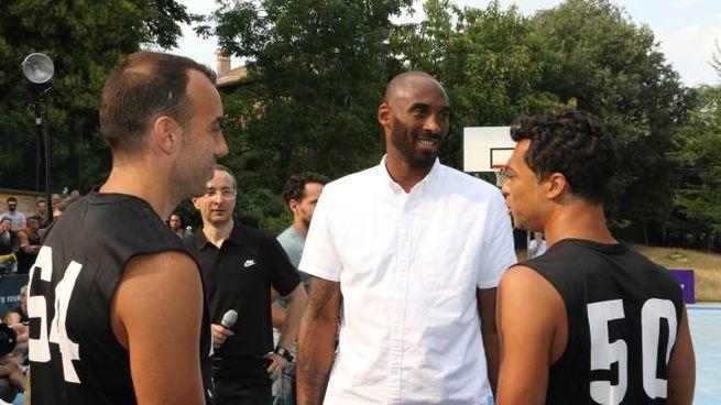 Kobe Bryant nella sua visita a Reggio nel 2016