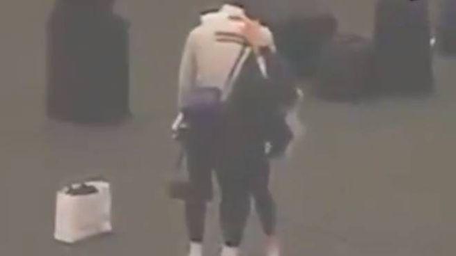 LeBron James distrutto dopo la notizia della morte di Kobe Bryant  (via NBC4 Los Angeles)
