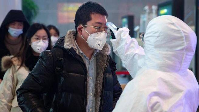 Controlli coronavirus aereoporto