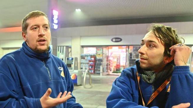 Emanuele Cantile e Alberto Saraceno all'area di servizio di Serravalle