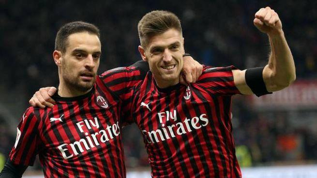 Milan-Torino, Bonaventura e  Piatek festeggiano  il gol (Ansa)