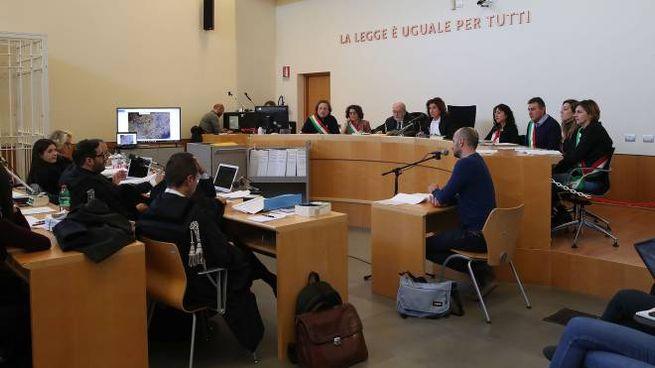 Risultato immagini per immagine di udienza al tribunale
