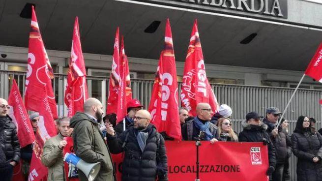 La manifestazione sindacale dei lavoratori Adidas