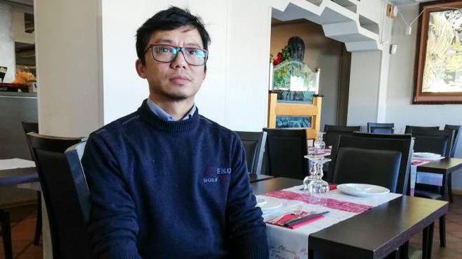 XuXuan Hu, per tutti 'Francesco', titolare del ristorante La Grande Cina, al porto