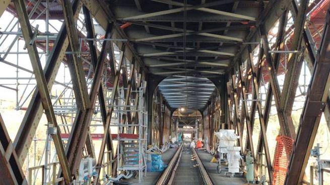 La linea ferroviaria del ponte San Michele