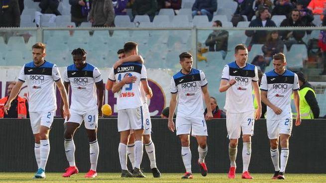 L'Atalanta festeggia il gol di Malinovskyi (Ansa)