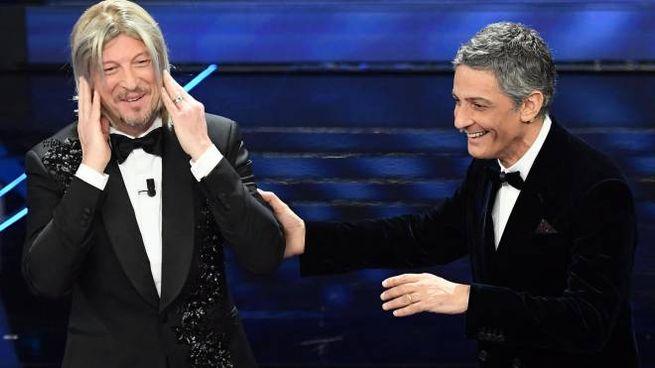 Amadeus e Fiorello sul palco di Sanremo 2020 (Ansa)