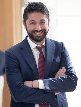 Santiago Mazza, digital advisor. di. Retex