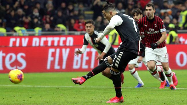 Il rigore di Cristiano Ronaldo (Ansa)