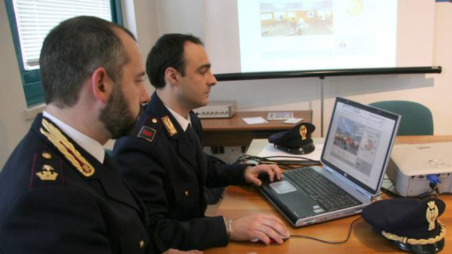 Agenti della polizia postale (Foto di repertorio - Crocchioni)