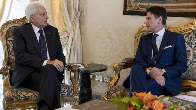 Il presidente Mattarella con il premier Conte in un'immagine d'archivio (Ansa)
