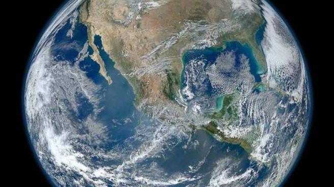 L'immagine della Terra postata da Bezos su Instagram
