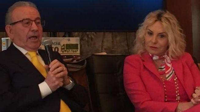 Patrizio Podini, fondatore di Md, con Antonella Clerici, testimonial del gruppo