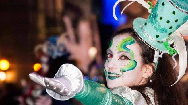 Carnevale, sfilata per il giovedì grasso (foto Umicini)