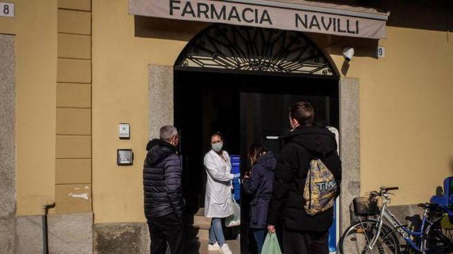 Una farmacia chiusa a Codogno ma che garantisce servizi di prima necessità