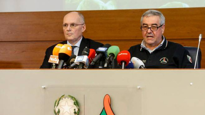 Coronavirus, Walter Ricciardi e Angelo Borrelli in conferenza stampa (Ansa)