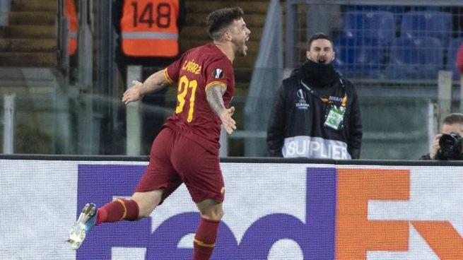 Carles Perez, l'esultanza dopo il primo gol con la Roma