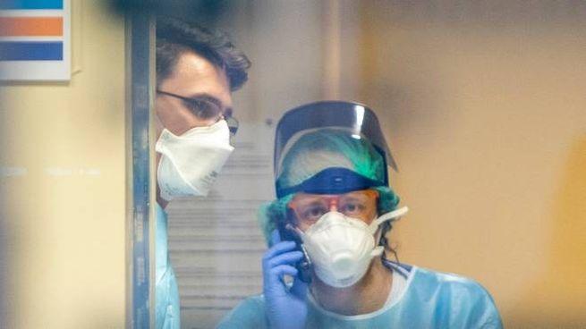 Coronavirus, due operatori sanitari