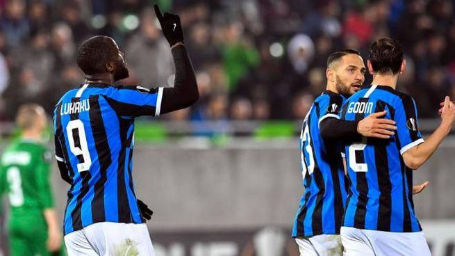 I giocatori dell'Inter in campo (Ansa)