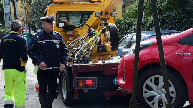 La bici di Matteo Prodi e l'auto di Roberto Grandi sotto sequestro dopo l'incidente