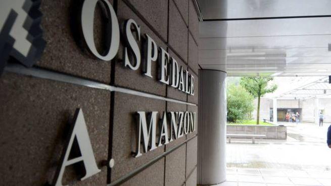 Il giovane è stato dichiarato morto all'ospedale Manzoni di Lecco