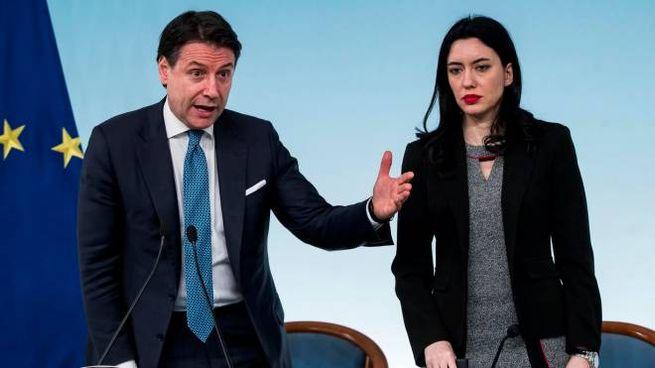 Coronavirus, il premier Conte e la ministra Azzolina in conferenza stampa (Ansa)