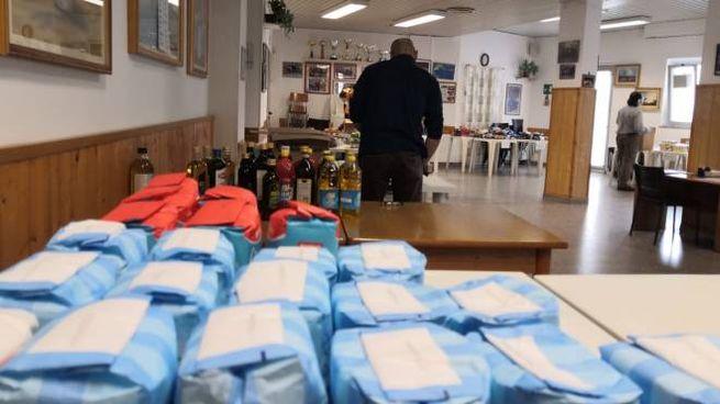 Raccolta di cibo per le famiglie bisognose