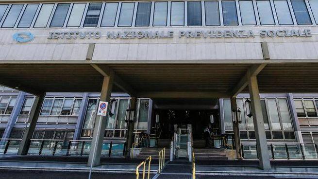 La sede centrale dell'Inps a Roma (Ansa)