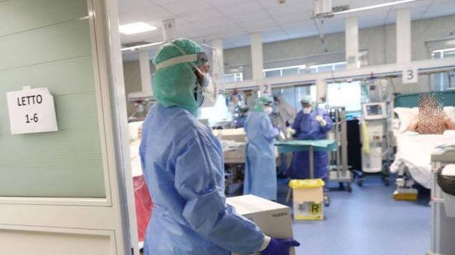 Ospedali sotto assedio (Ansa)