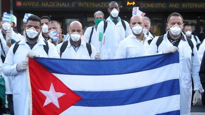 I medici cubani giunti in Italia per l'emergenza Covid-19