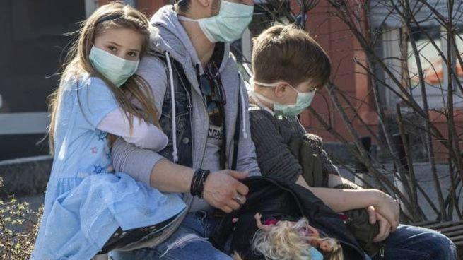 Un vademecum per genitori in tempo di pandemia (Imagoeconomica)