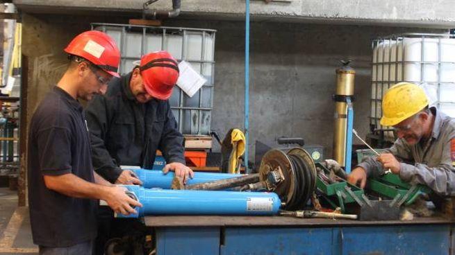 L'attività si ferma nelle fabbriche (foto di repertorio)