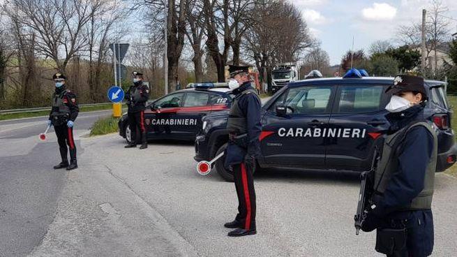 I posti di blocco delle forze dell'ordine sulle arterie principali