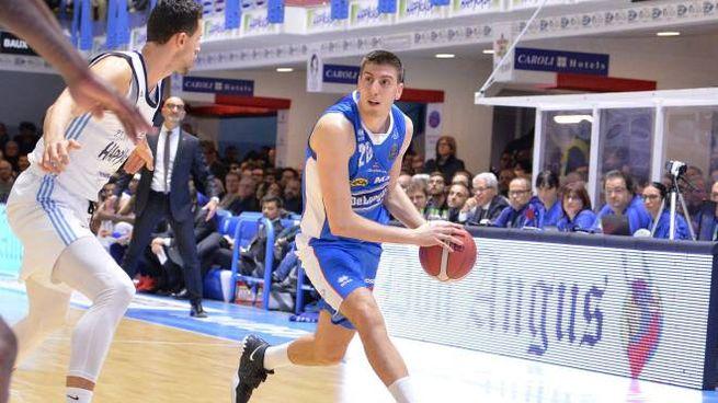 Luca Severini, 24 anni a giugno