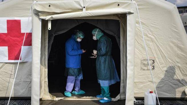 Coronavirus, l'ospedale da campo a Crema (foto Ansa)