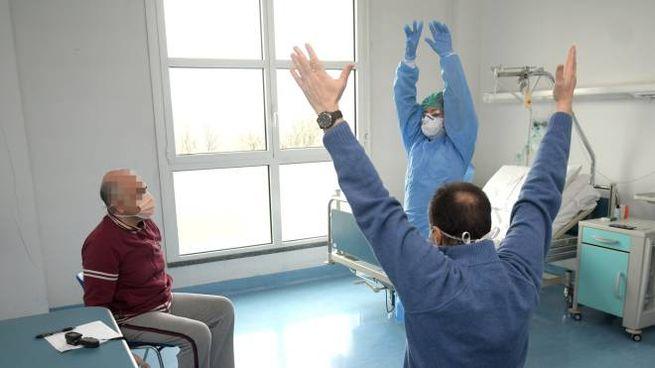 Esercizi in corso al reparto di riabilitazione polmonare dello Zappatone