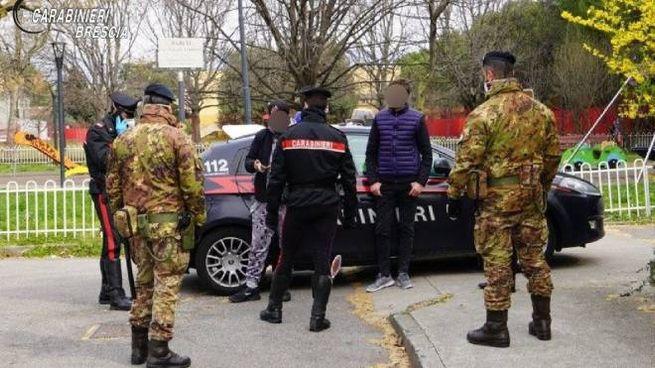 Controlli dei carabinieri e dei militari