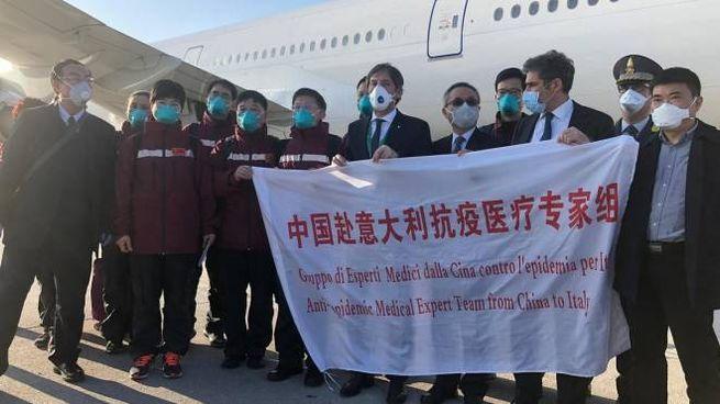 L'arrivo dei medici cinesi a Malpensa
