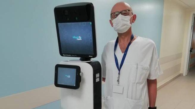 Coronavirus, il robot in uso all'ospedale Infermi di Rimini per la valutazione di malati