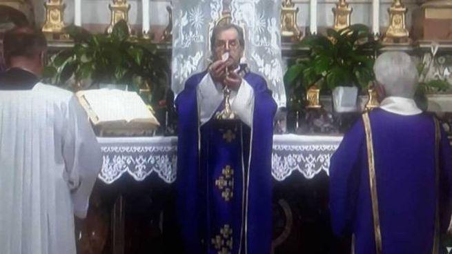 La messa del vescovo di Cesena, Douglas Regattieri, ieri è stata trasmessa in tv