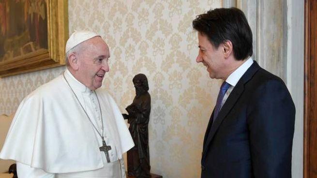 Il premier Conte in udienza da Papa Francesco (Ansa)