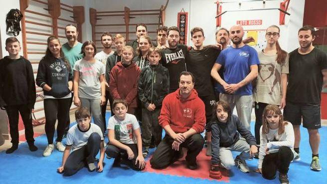 Alcuni dei componenti della scuola Loto Rosso di Pieve a Nievole