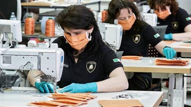 La produzione di mascherine in Lamborghini