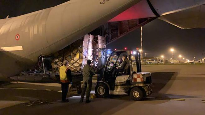 Ponte aereo per le forniture sanitarie