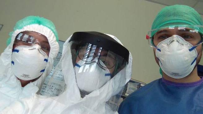 Coronavirus, operatori sanitari protetti (foto Crocchioni)