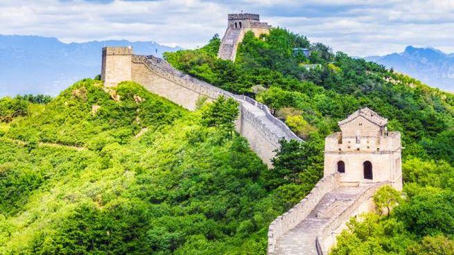 Grande Muraglia Cinese, i turisti vandali finiranno in una lista nera pubblica