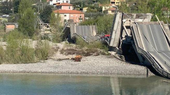 Albiano Magra, il ponte crollato